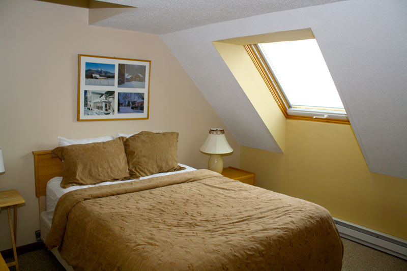Killington_Mountain-Green-Bedroom.jpg