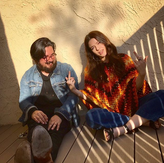 I swear we were just meditating👹 Come see us this Friday in Highland Park for @kensingtonpresents + @purplebitepr at 8pm sharp! Opening for the incredible @georgikay  It's free free free but you gotta rsvp. Link in bio🌞🌼🌞🌼🌞 . . 📸 @ojodeloba ⚡️