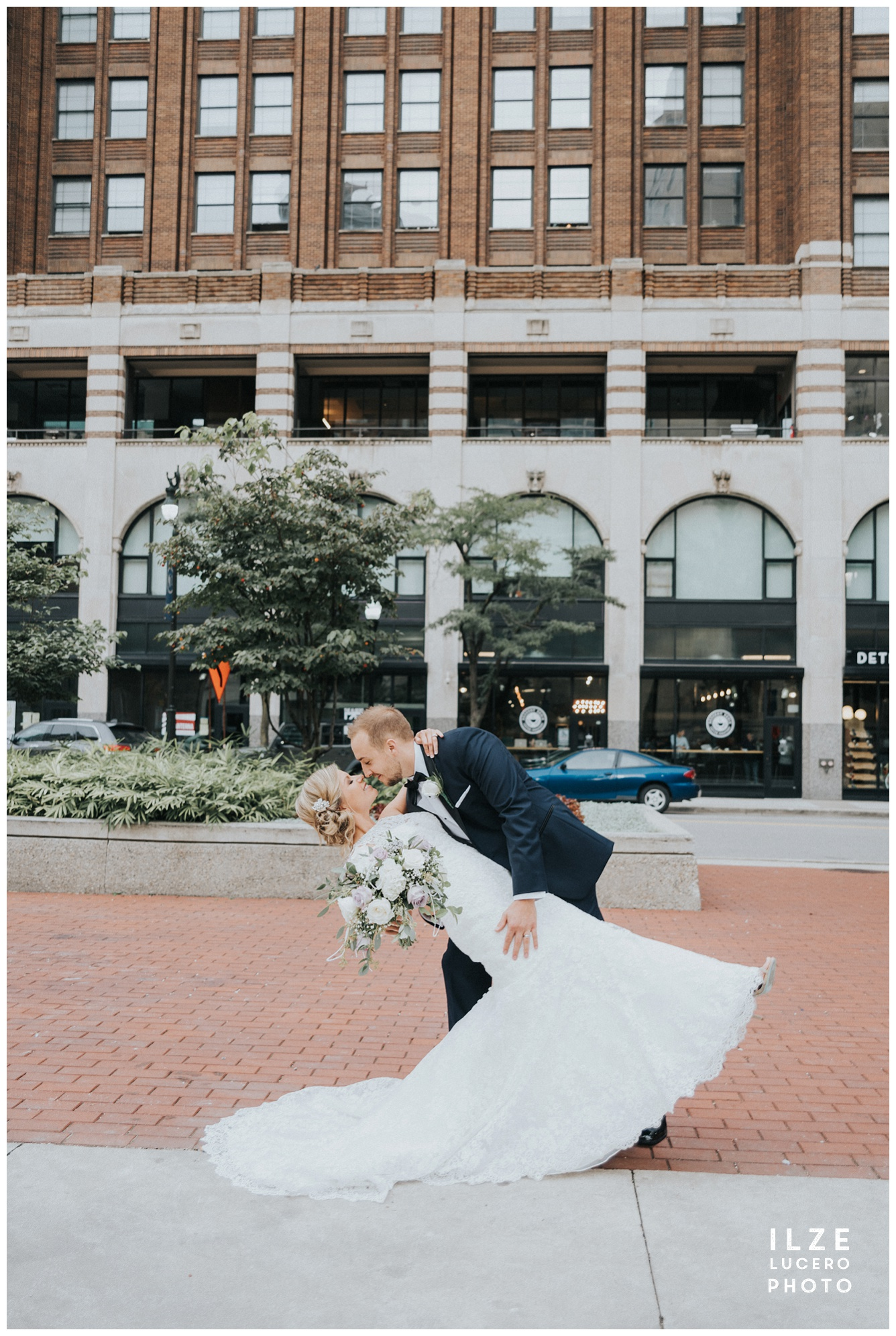 Dip -  Detroit city wedding