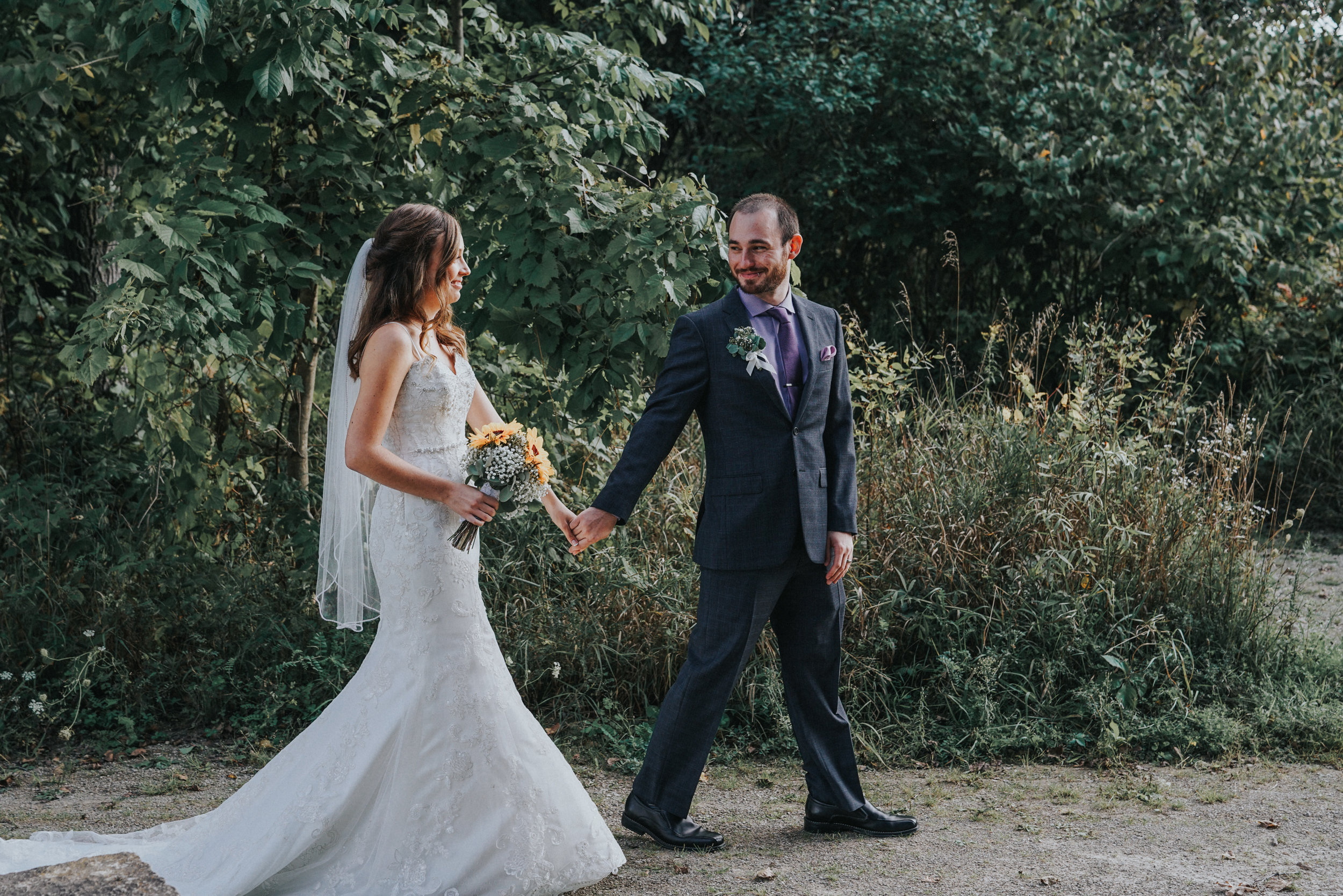 Fall wedding at Indian Springs Metropark