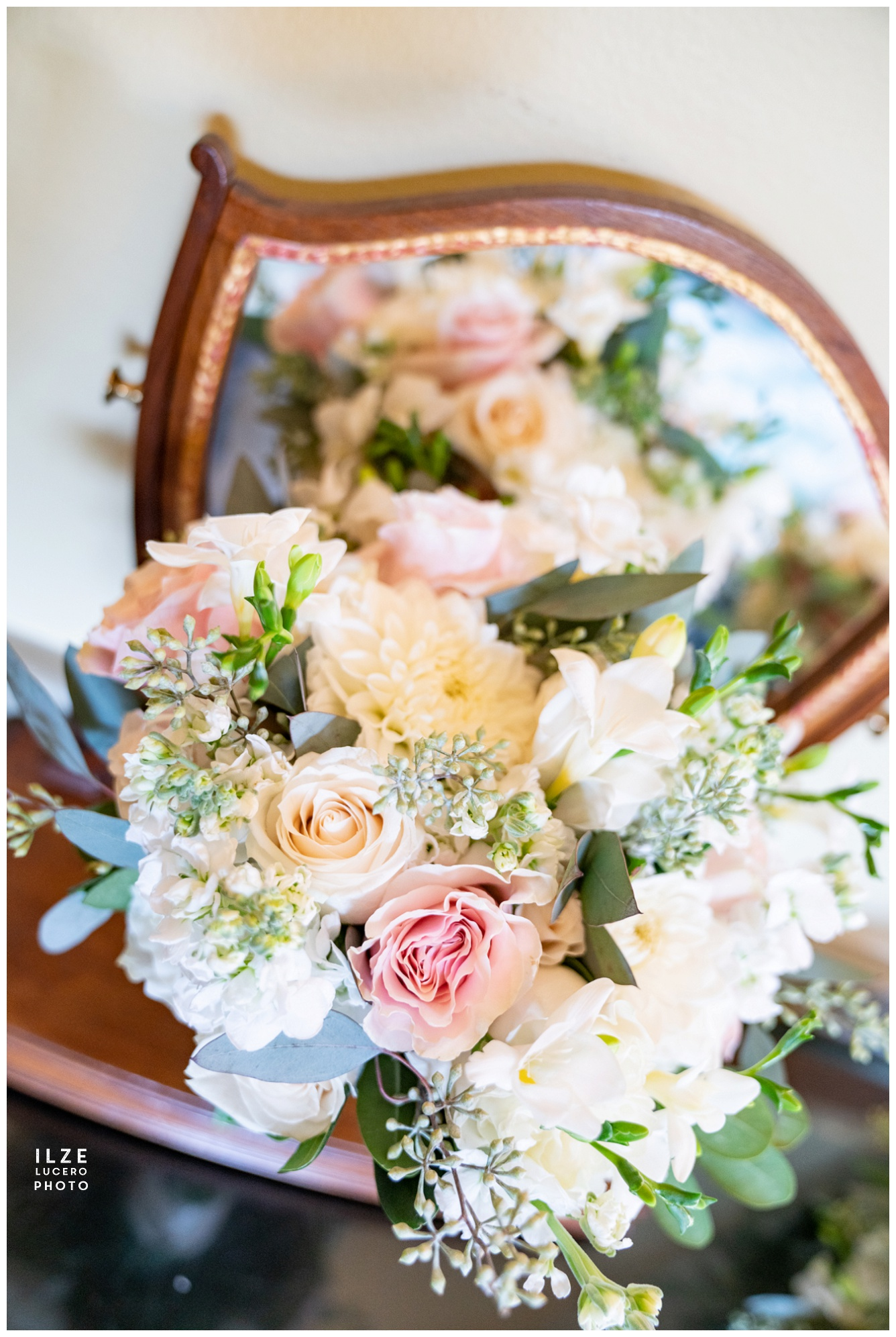 Modern wedding flowers- roses, dahlias and fresias
