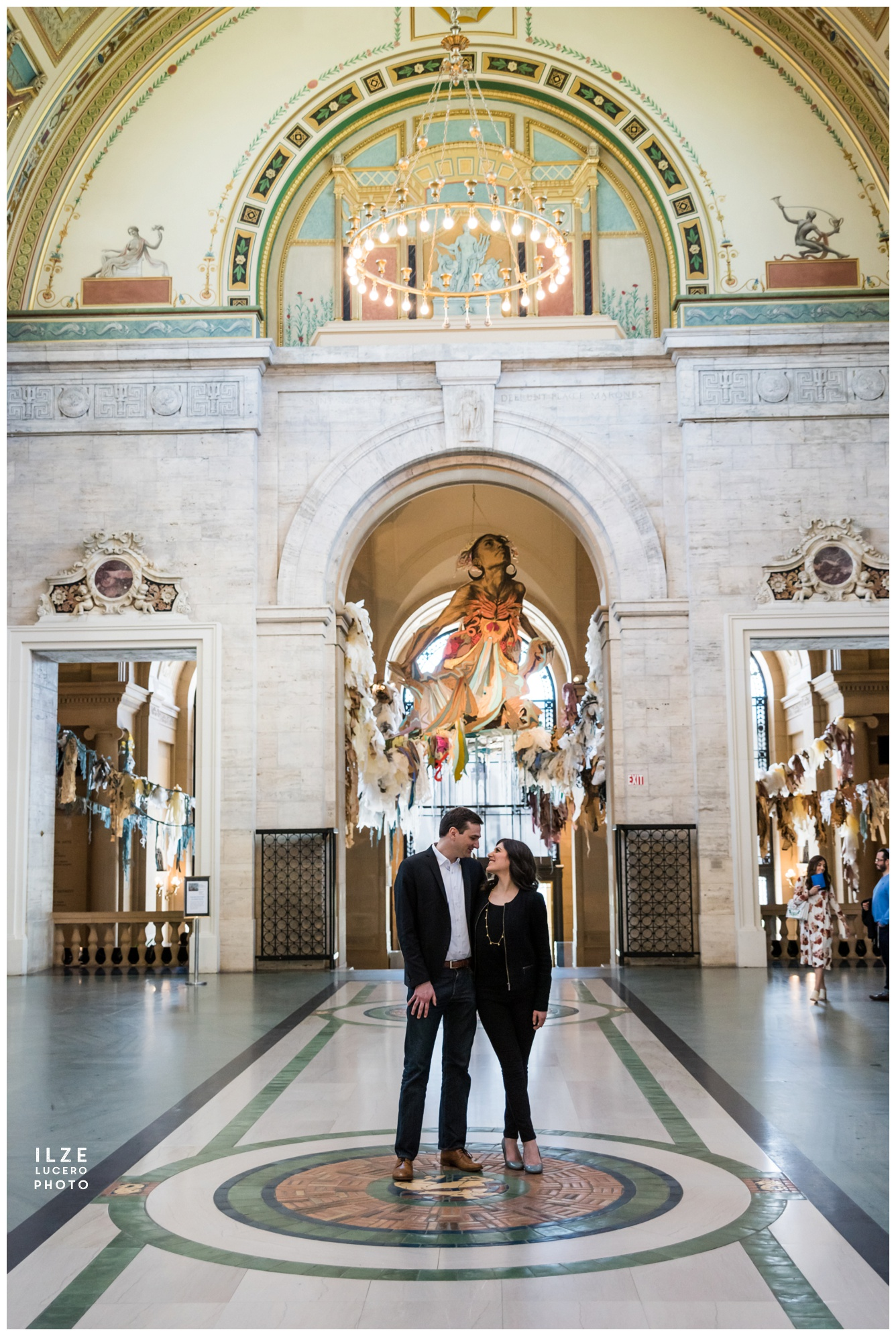 Amazing DIA engagement photo inspiration