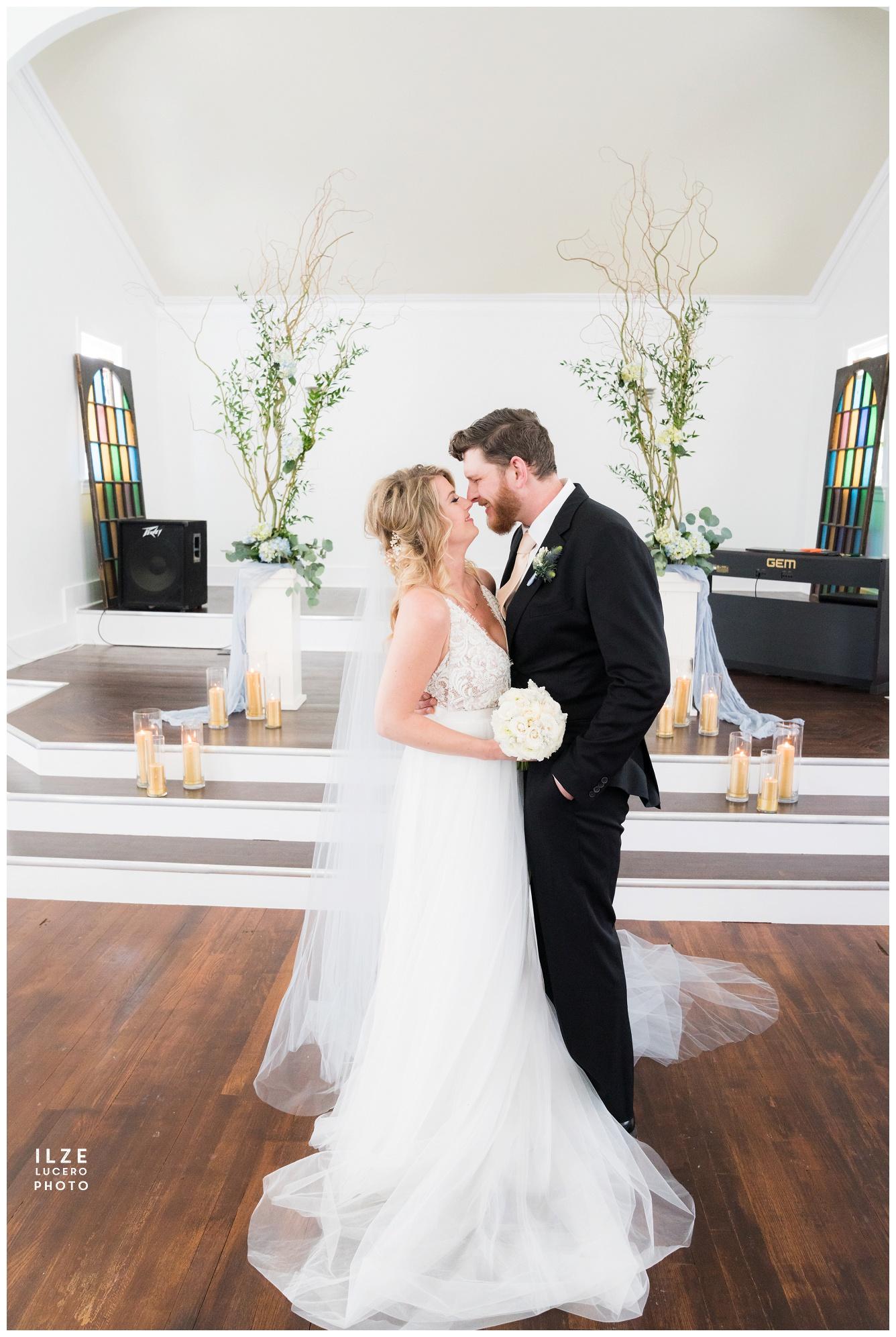 Holly Vault Chapel Michigan Wedding Photographer (188).jpg