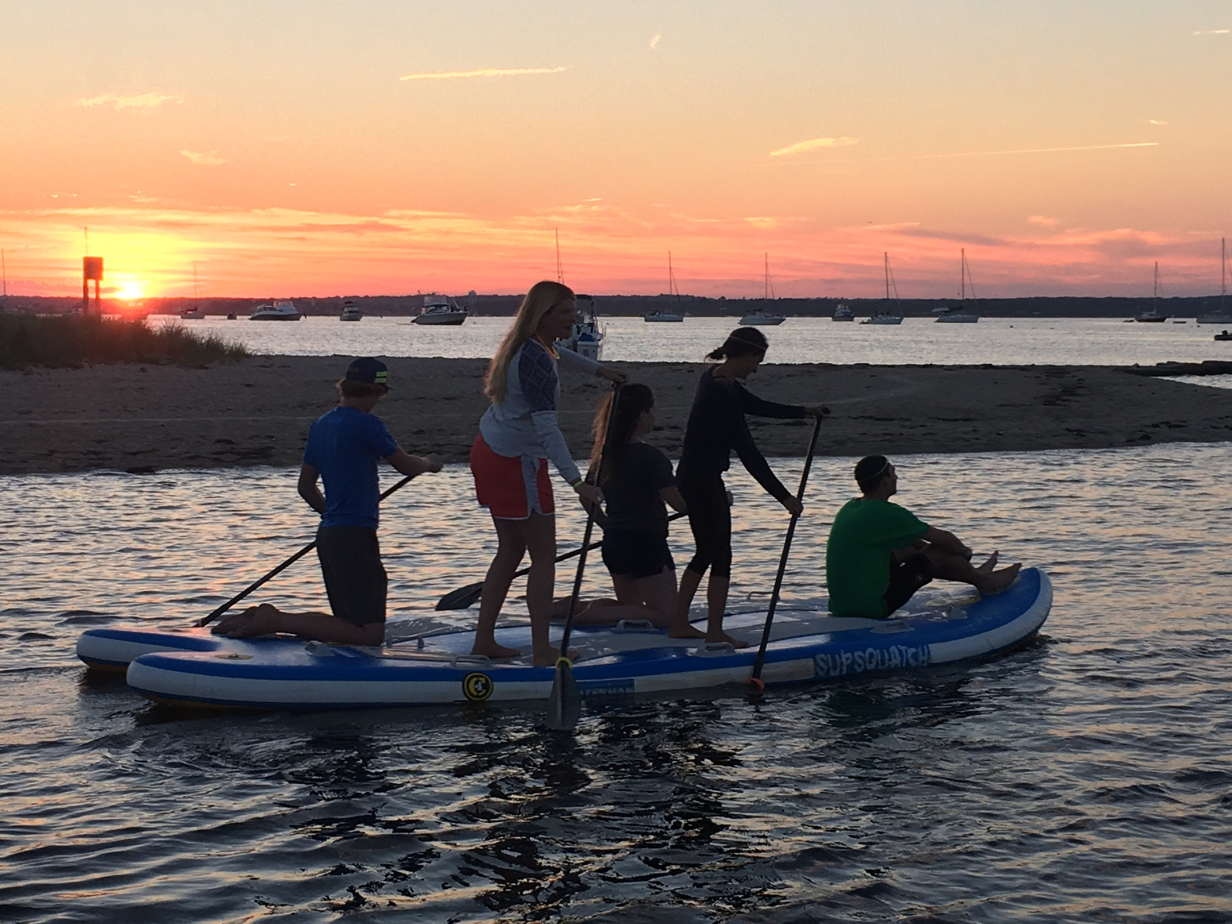 SUNSET PADDLE PARTY BOARD @ PLEASANT VIEW INN