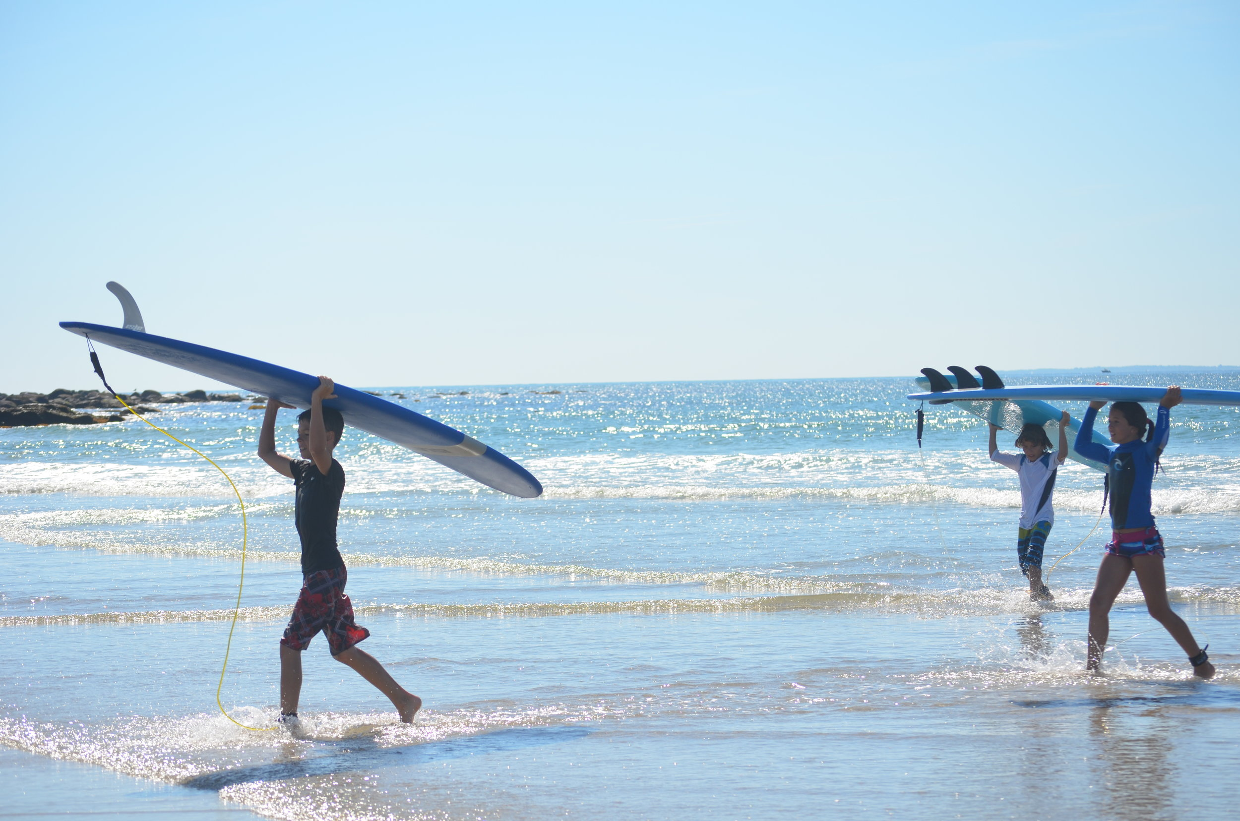 SURF RENTAL - Take a surfboard to the beach.