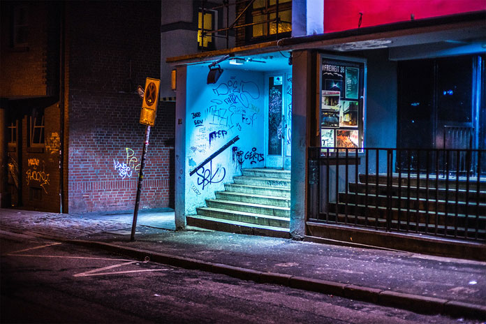 After-hours-in-Hamburg-by-Mark-Broyer-Shabby-places.jpg