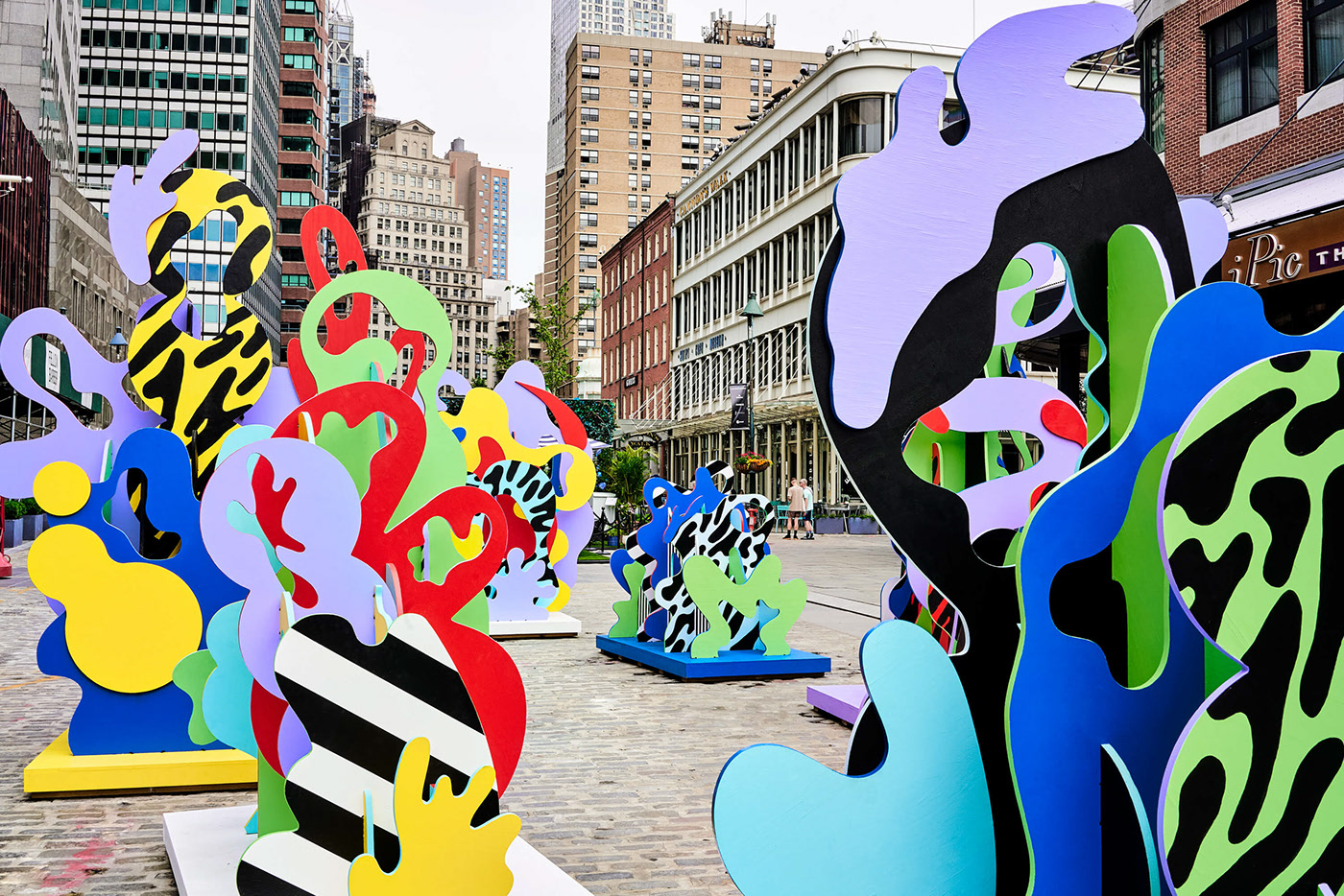 Wade and Leta ╳ Seaport District Sculptures NYC — Designcollector
