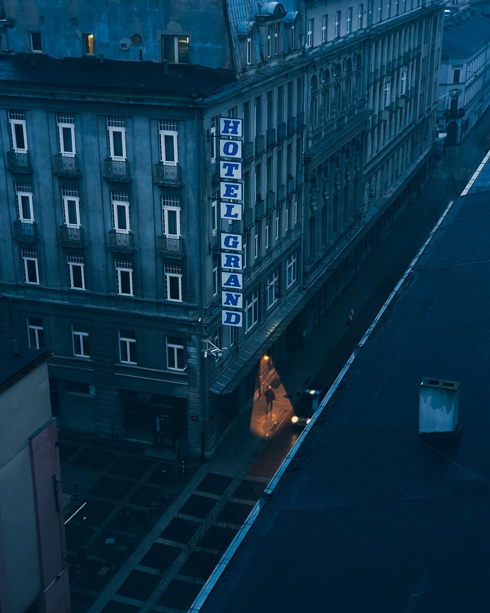 Dark Side of the city by Aleksander Małachowski