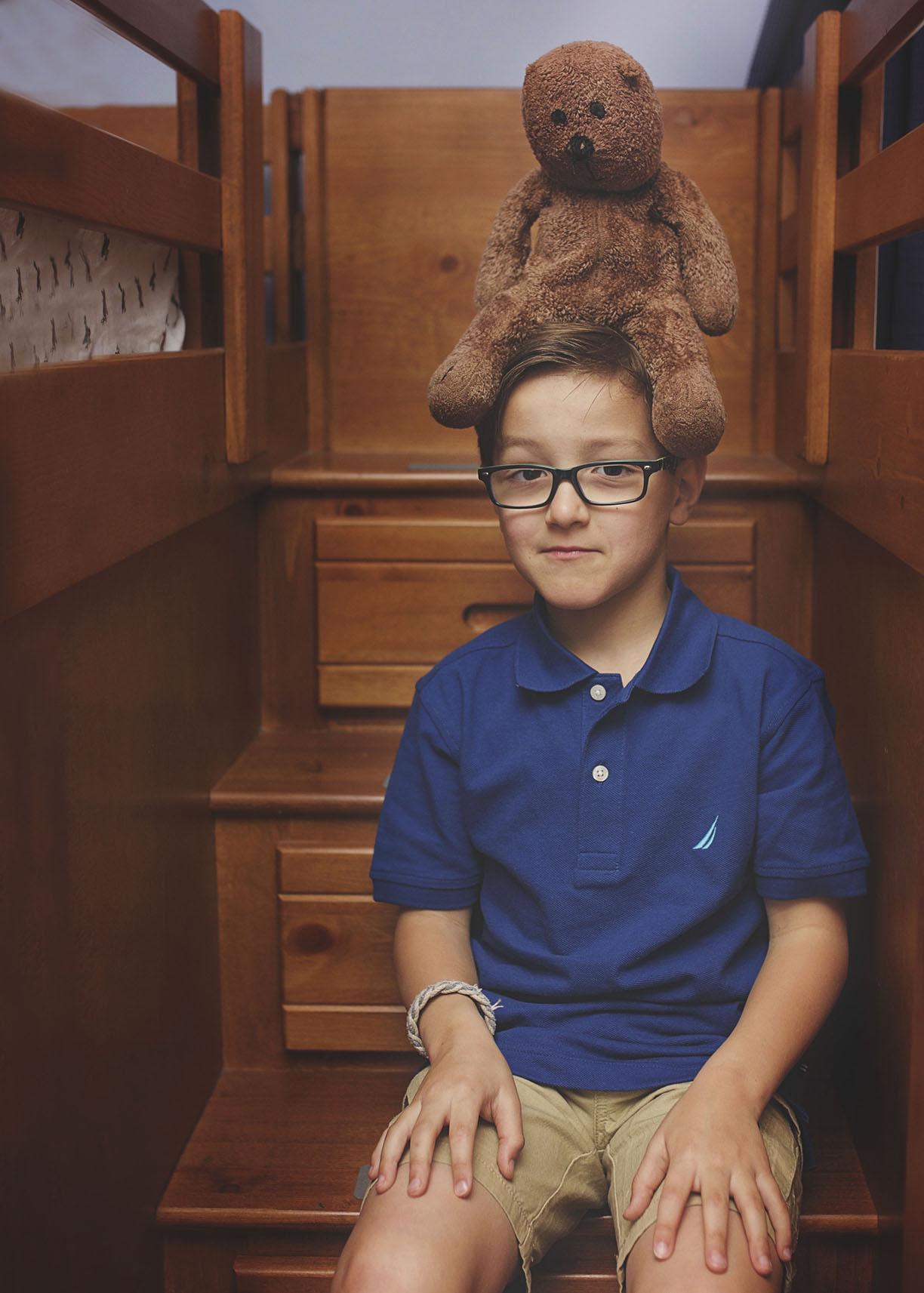 boy with teaddy bear stuffed animal shoot portrait family ideas Madison.jpg
