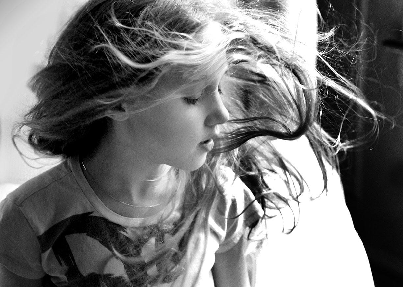 Fan little girl portrais at home New York City.jpg