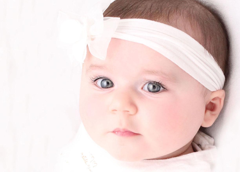 Natural light baby girl.jpg