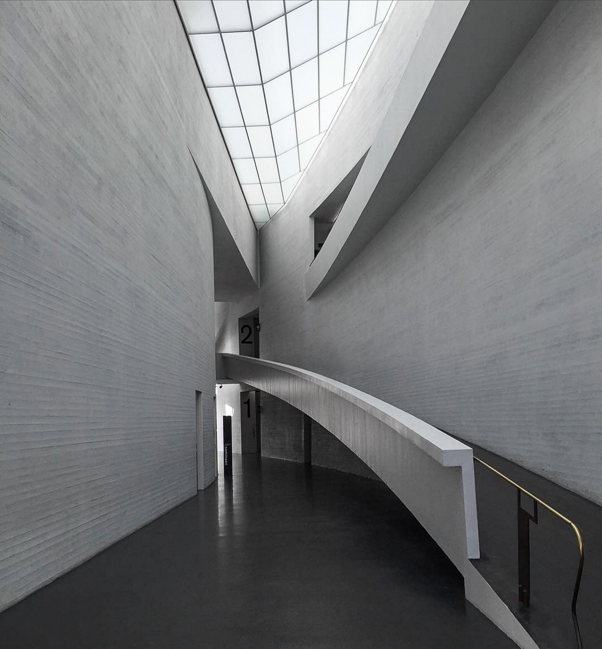 Steven Holl,  Kiasma  (Contemporary Art Museum of the Finnish National Gallery) Helsinki, Finland 1993-1998. Entrance Hall View.
