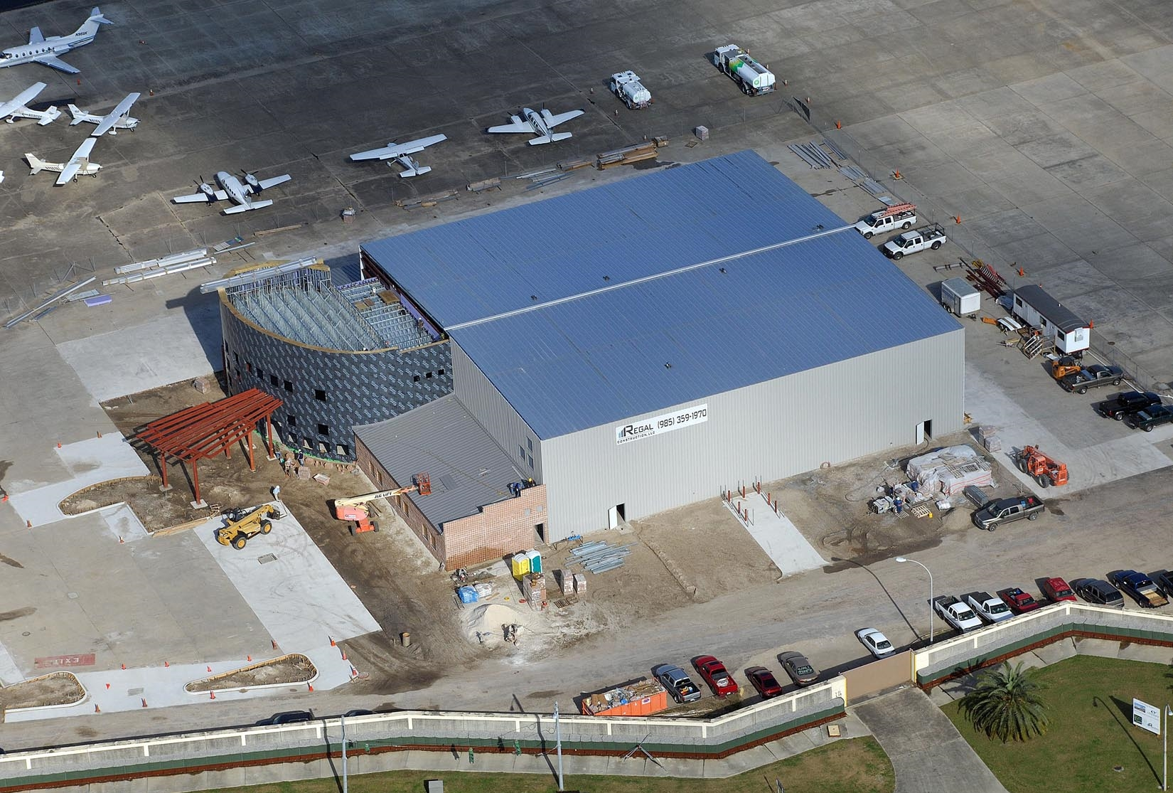 11- Odyssey Aviation Hangar 912036033.jpg