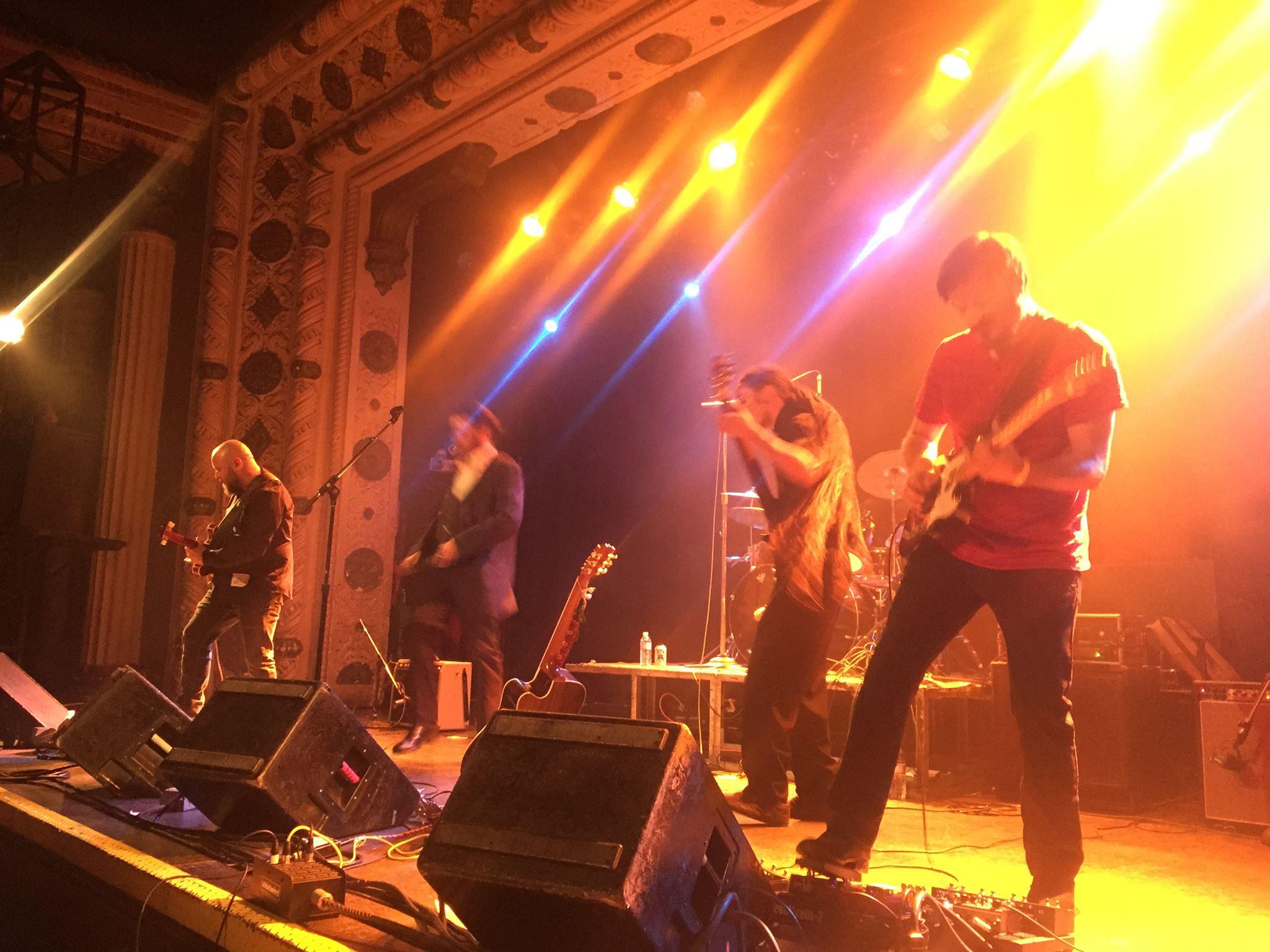 Ode Full band Metro.jpg