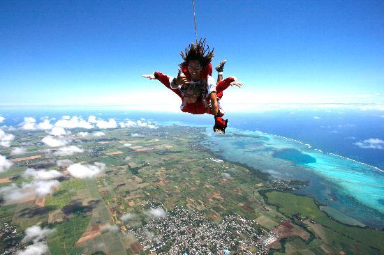 skydive-mauritius.jpg