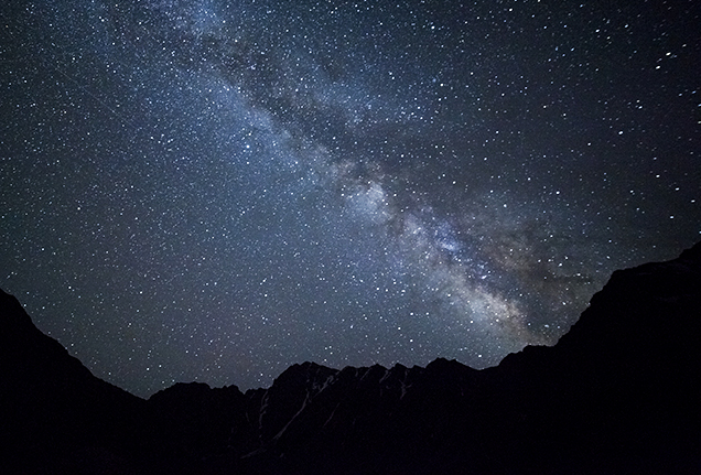 night-sky-mountains-636x431.jpg