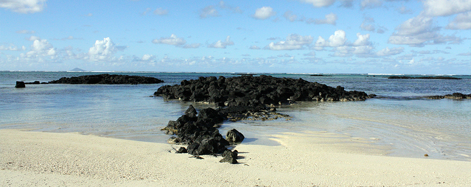 roche noire beach main.jpg