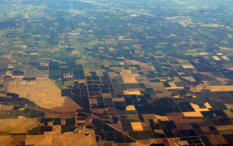 Californiacentralvalley by Air - Wiki w-attrib.jpg