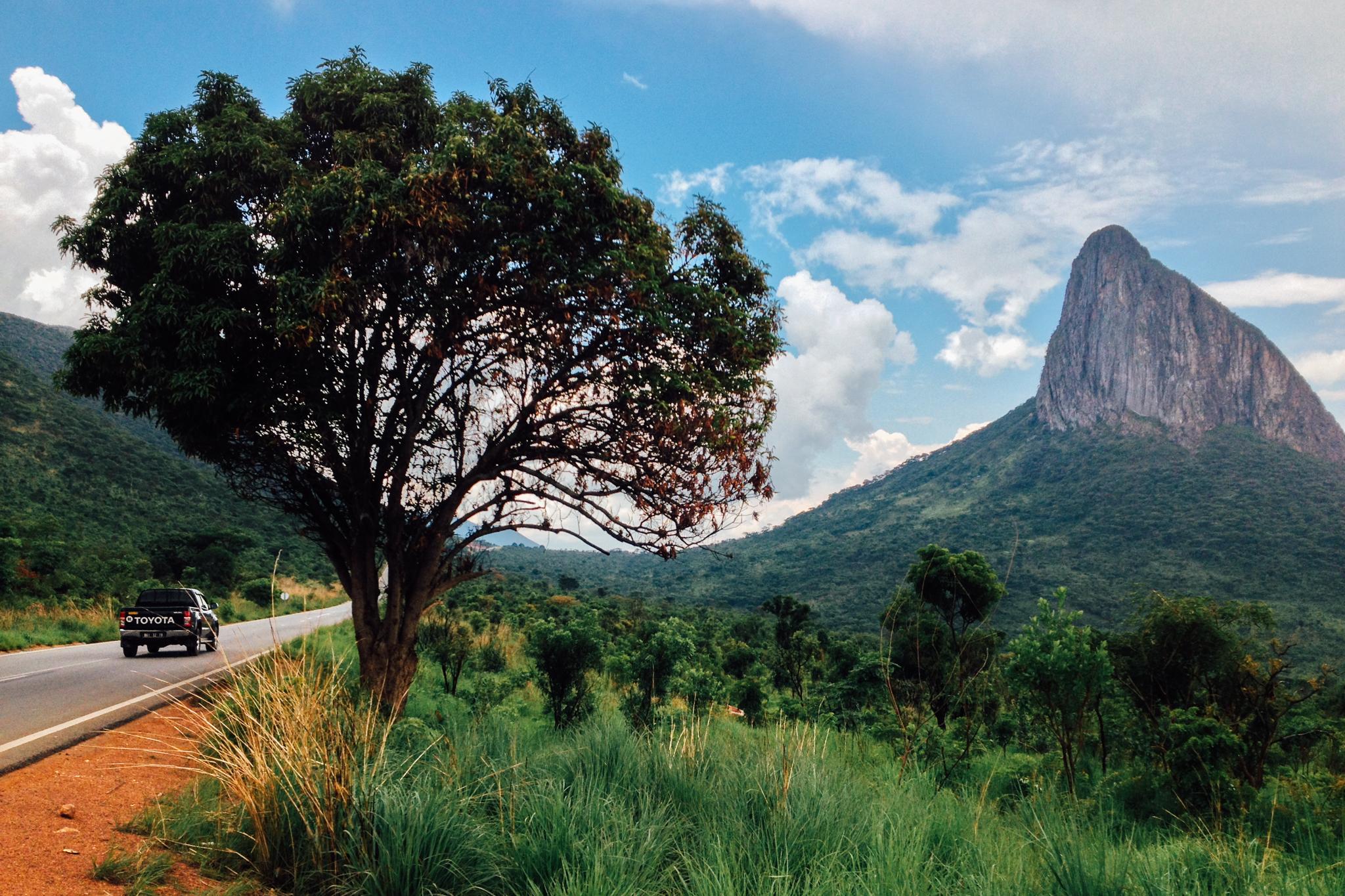 [2014] iPhone 4S - Huambo province, Angola