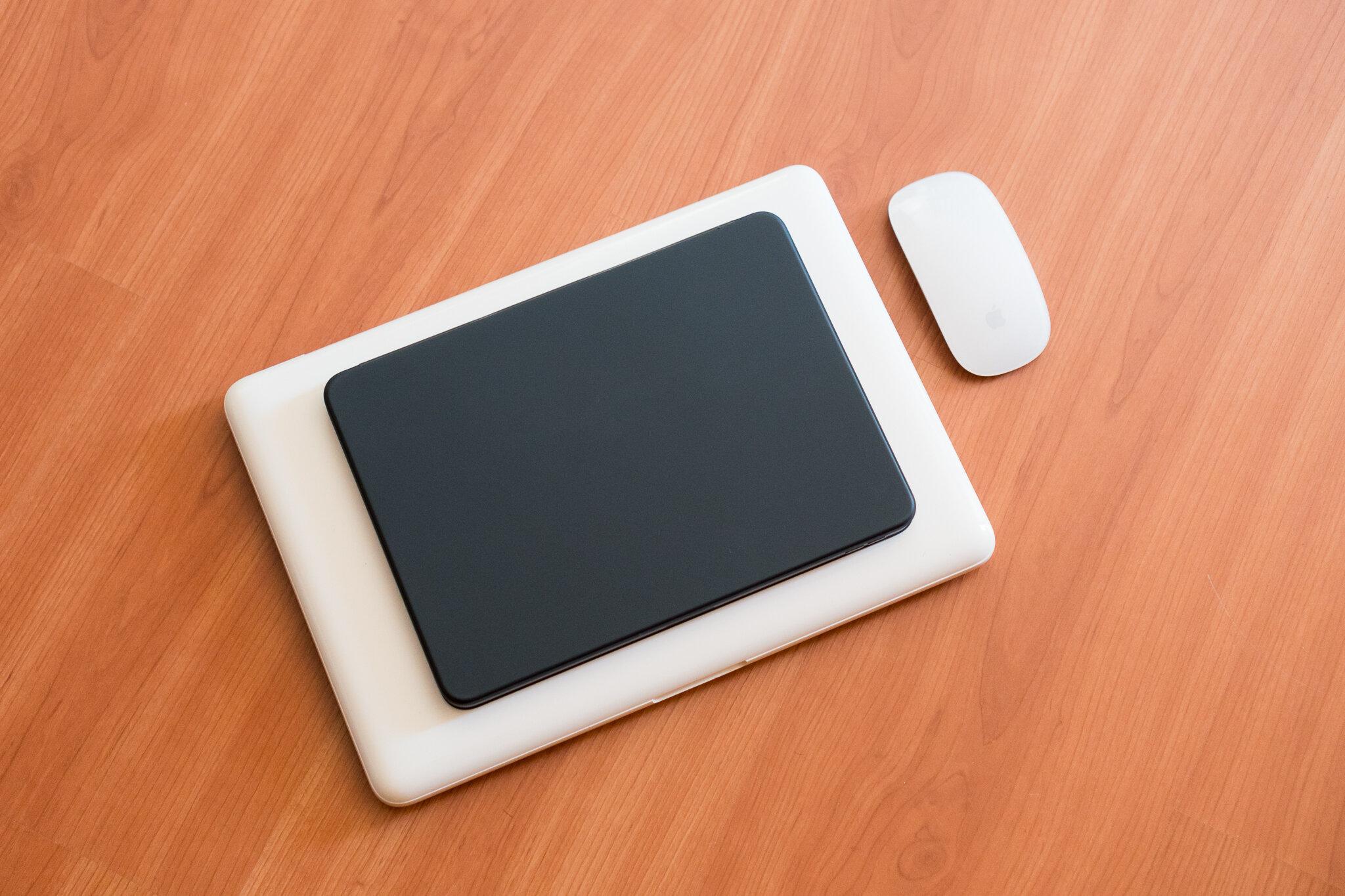 MacBook or iPadPro 11.jpg