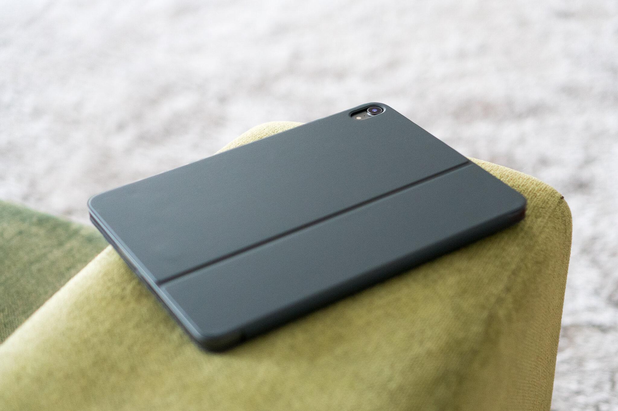 MacBook or iPadPro 4.jpg