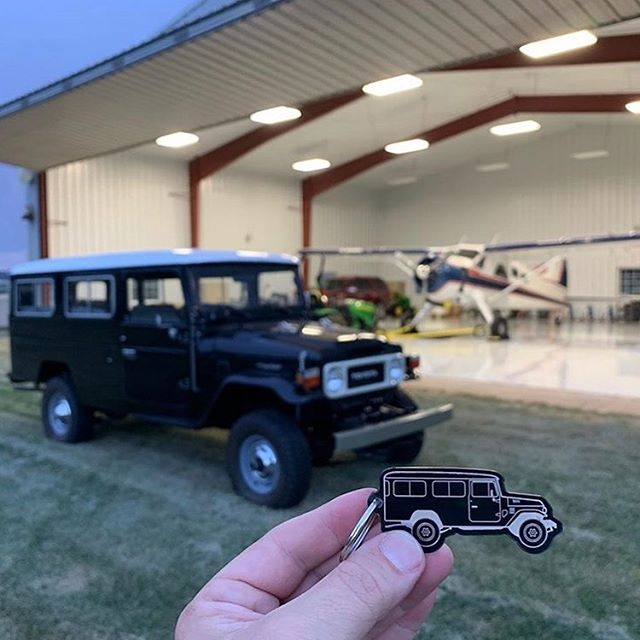 More 40 series love thanks to @tacomacolorado - this time coming all the way from the USA!  #40series #40serieslandcruiser #troopy #troopylife