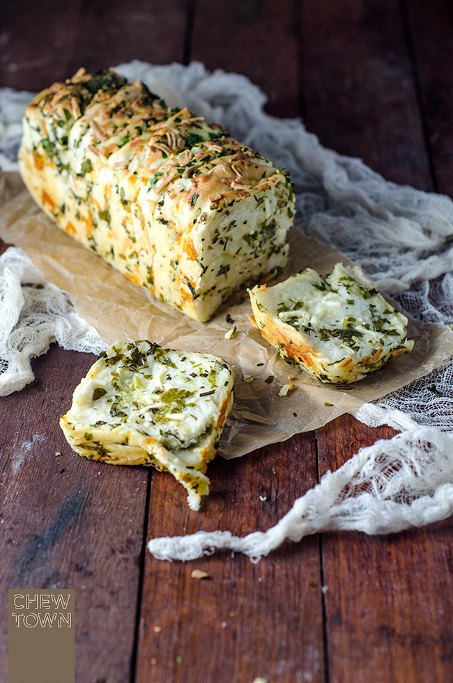 Garlic Herb & Cheese Pull Apart Bread - by Chew Town