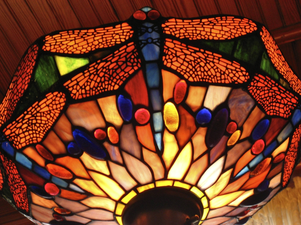 Art Nouveau Lamp - Photo by Via Tsuji