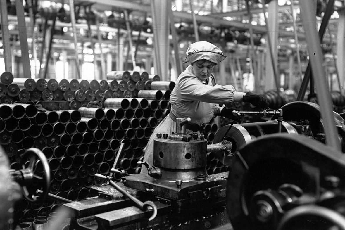World War 1 Woman Factory Worker - Photo source:  IBTimes UK