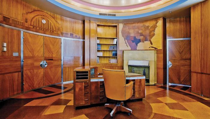 Art Deco Office at the Union Terminal/Carew Tower in Cincinnati - Image source:   Buildipedia.com