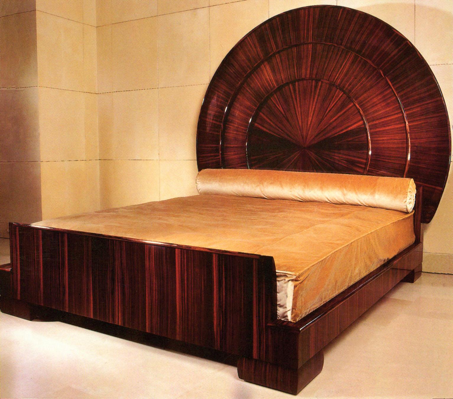 """Art Deco """"Sun Bed"""" by Ruhlmann. Image courtesy:   Ruhlmann.info"""