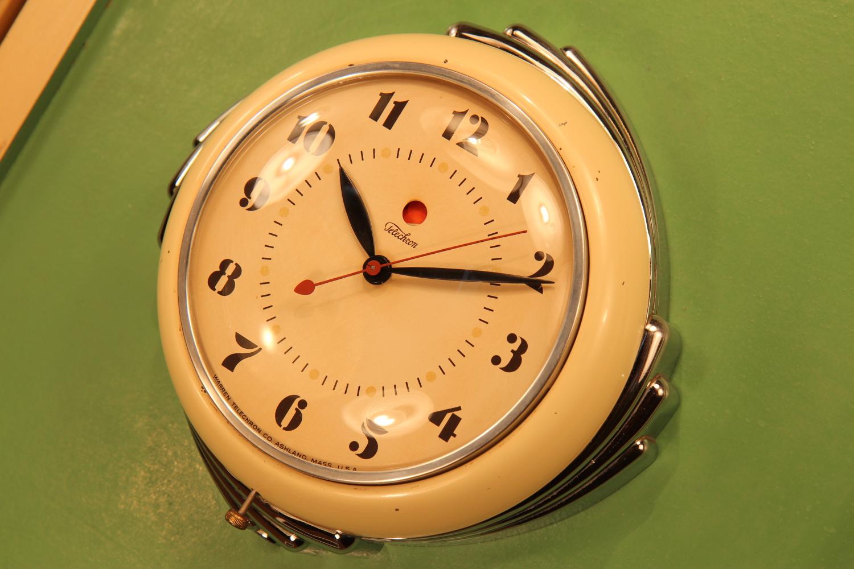 Art Deco Wall Clock. Image courtesy:  atomicwarehouse.com