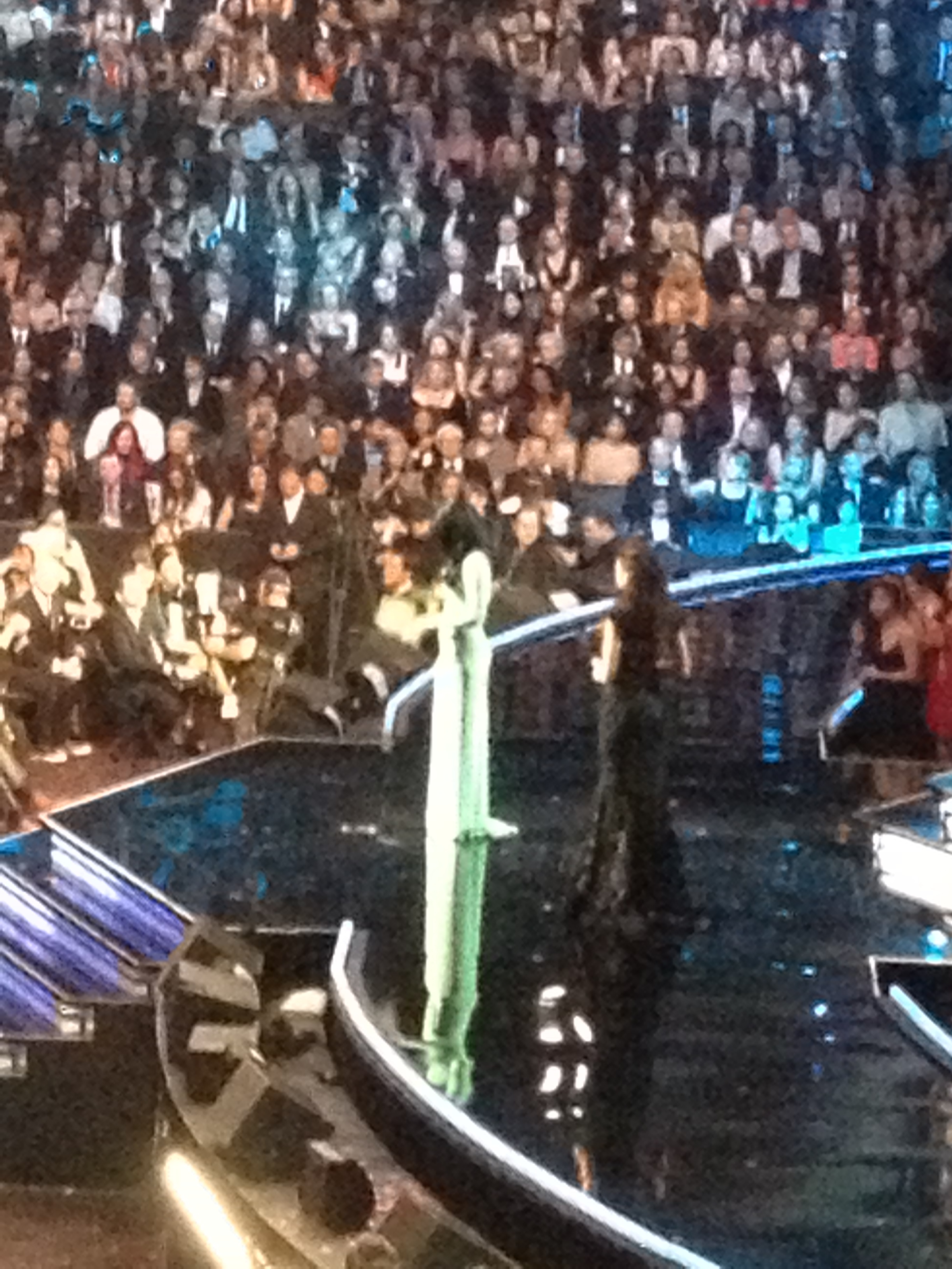 Katie Perry (Green Dress) and Beyonce Presenting.JPG