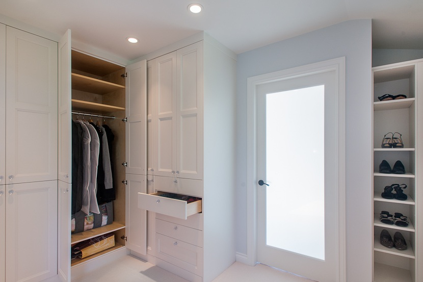walk-in closets - You probably didn't know that there are clothing storage planning guidelines depending on your own unique needs such as shoes, clothing type, outdoor clothing and more. There is nothing more frustrating that not being able to fit all your clothes where you need to store them - that's where we come in.- Walk-in Closets- Dressing Rooms- Extraordinary ClosetsA little know fact is that the other big closet companies just want to sell you their product, and although that is great for us too what is more important is solving your storage problems.