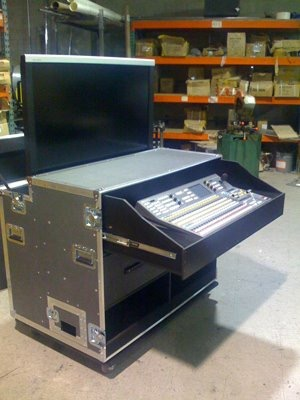 "52"" Monitor Lift Case Workstation"