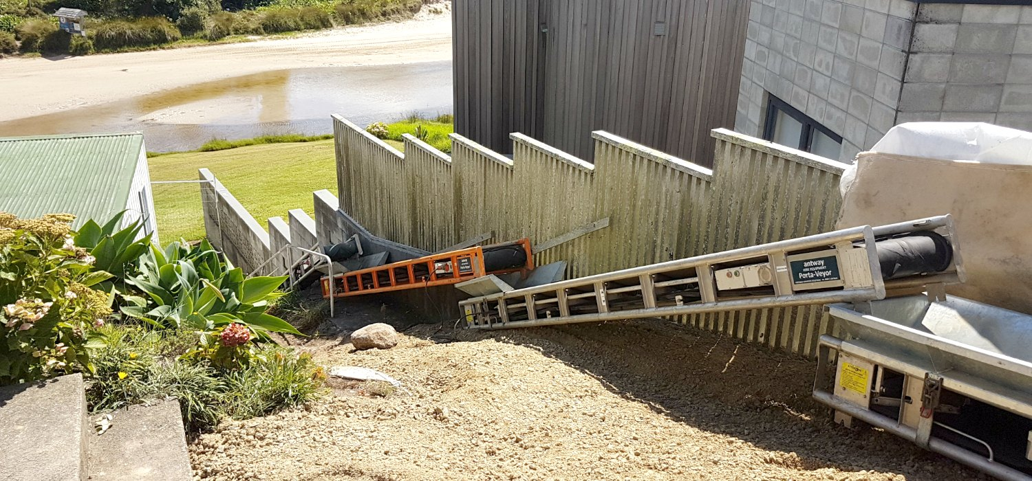 Portable Mobile Conveyors Moving Dirt. NZ Conveyors