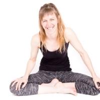 Maria-Langenheim_Flow-Soul-Yoga.jpg