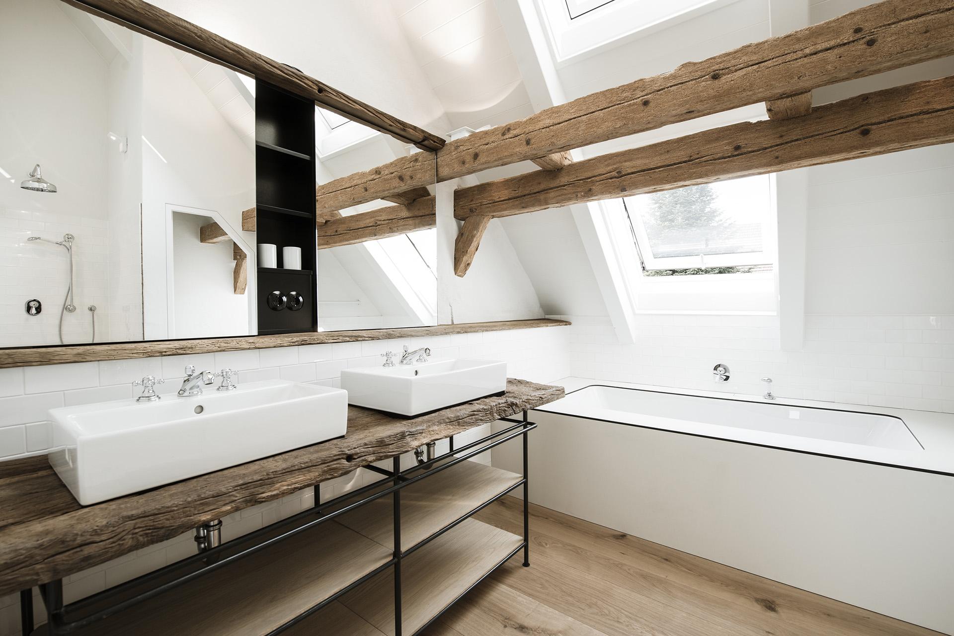 010-interior-design-residential-farmhouse-renovation-buero-philipp-moeller.jpg
