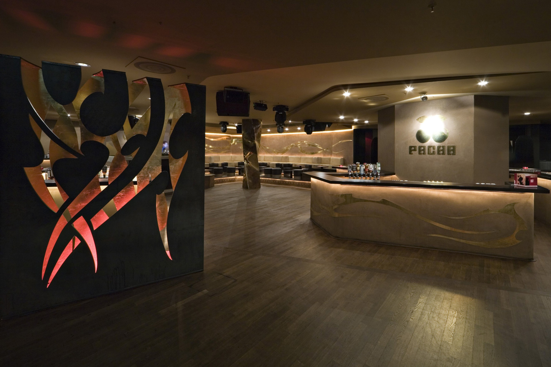 003-interior-design-hospitality-night-club-bar-pacha-muenchen-buero-philipp-moeller.jpg