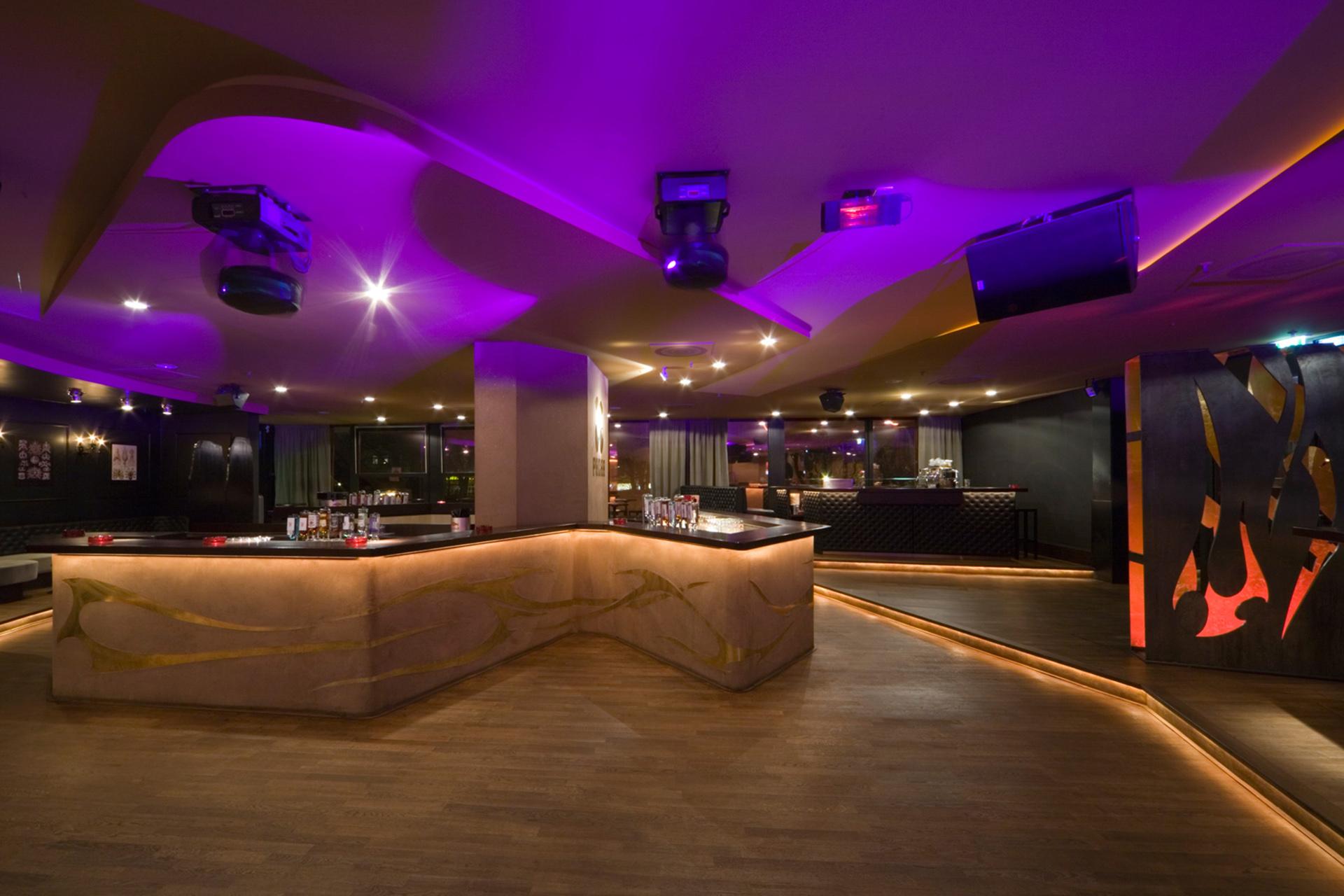006-interior-design-hospitality-night-club-bar-pacha-muenchen-buero-philipp-moeller.jpg