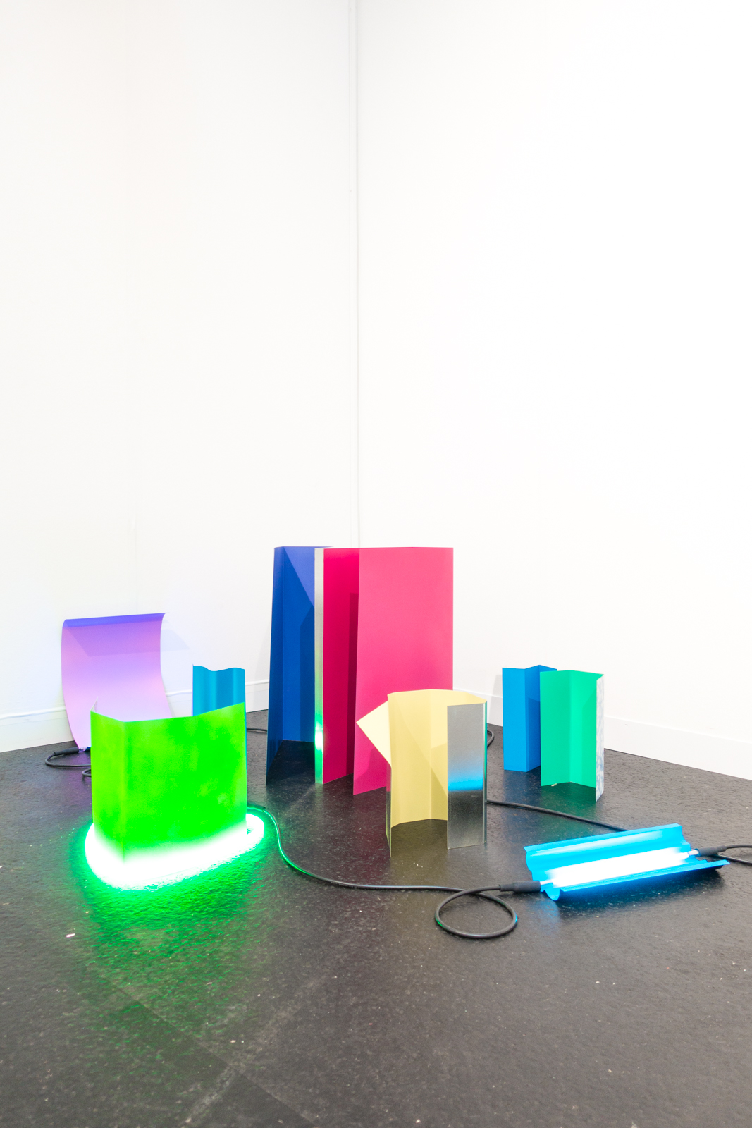 Michael Vickers, Neon, 2016