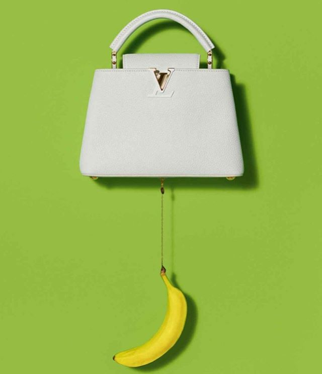 Fashion meets art 👜 #LouisVuitton and #UrsFischer collaboration . . #aibartadvisory #artconsultant #artadvisor #artanddesign #contemporaryart #artconsultancy #artgallery #luxuryliving #fineart #inspiration #luxury #lifestyle #collector #artcollector #artlover #instadesign #style #fashion #handbags #banana