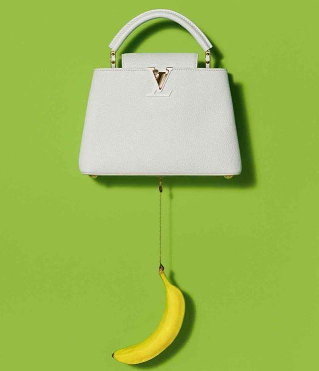 Fashion meets art 👜 #LouisVuitton and #UrsFischer collaboration . . #aibartadvisory #artconsultant #artadvisor #artanddesign #contemporaryart #artconsultancy #artgallery #luxuryliving #fineart #inspiration #luxury #lifestyle #collector #artcollector #artlover #instadesign #style #fashion #handbags #banana