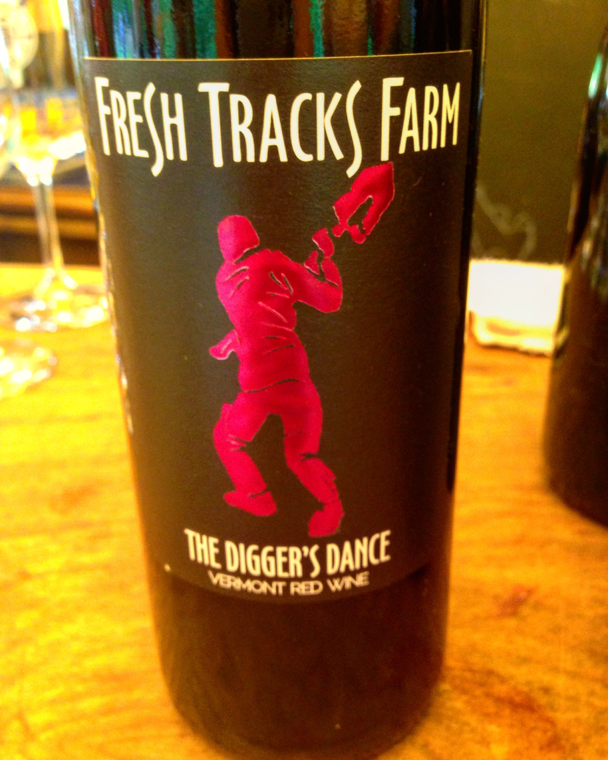 Diggers Dance red wine