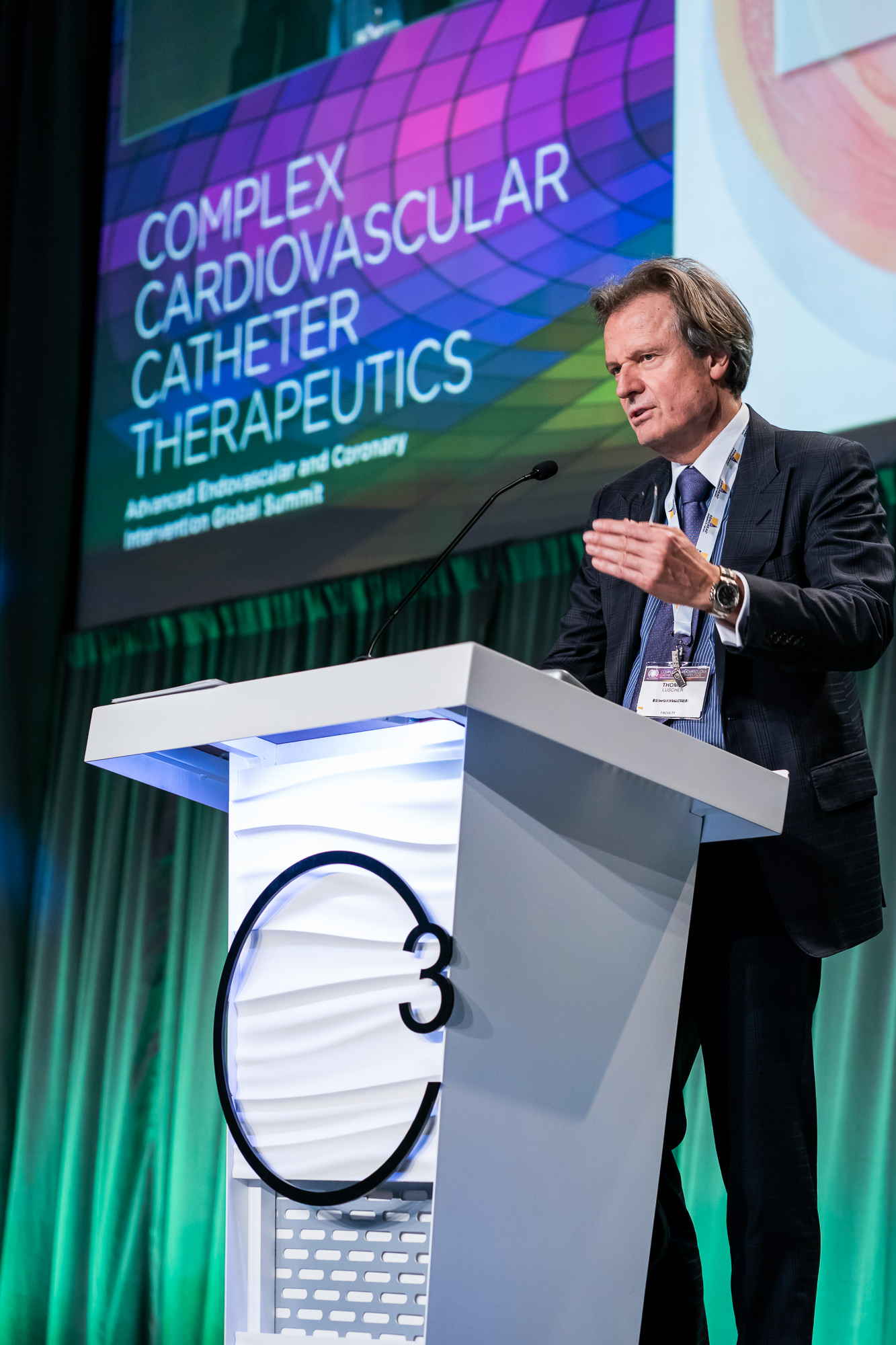 014-Christopher-Jason-Studios-complex-cardiovascular-catheter-therapeutics-c3-conference-washington-dc-orlando-florida-event-photography-physician-speaks-in-front-of-group-of-cardiologists-2.jpg