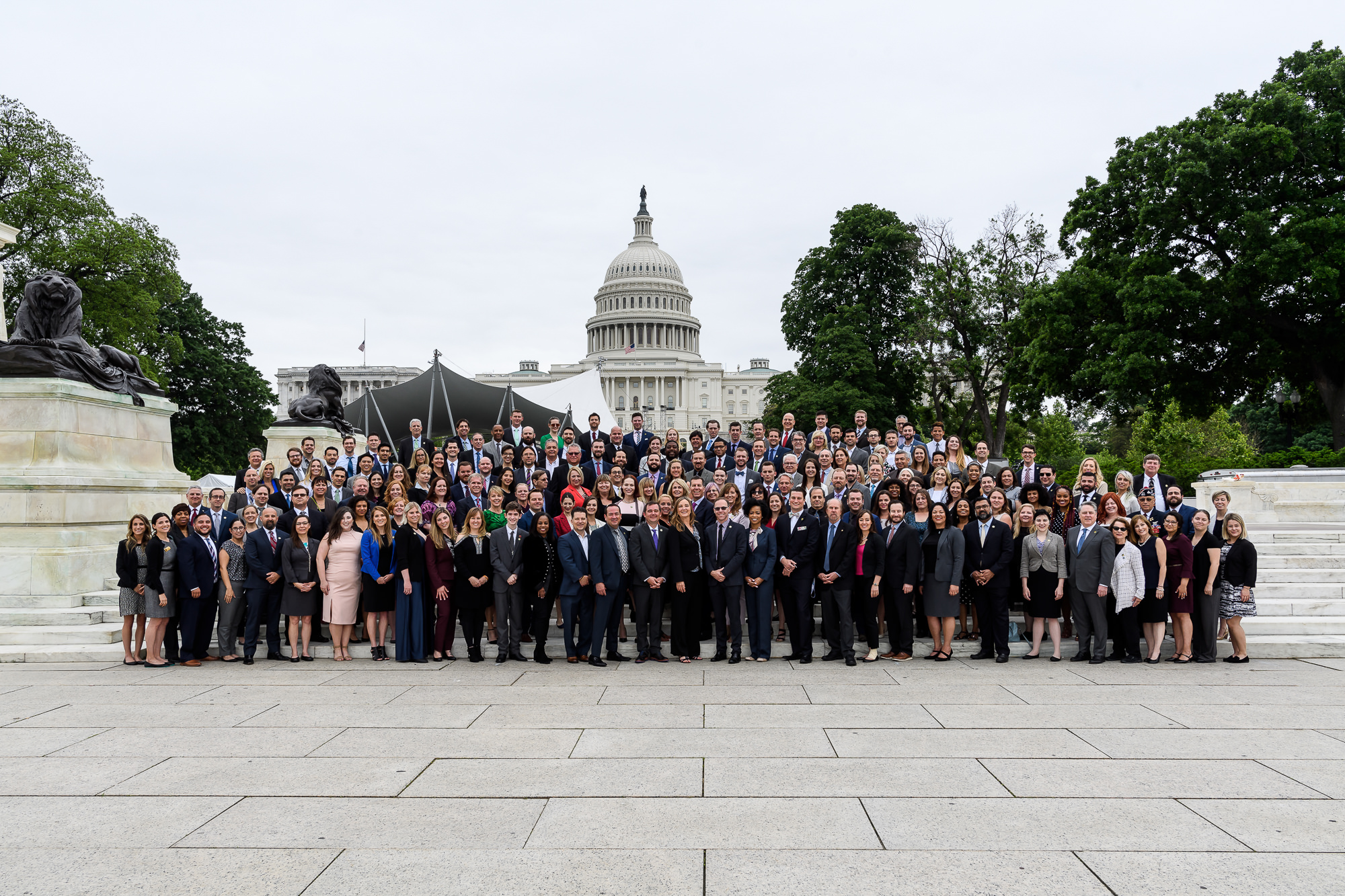 013-Christopher-Jason-Studios-national-cannabis-industry-assocition-washington-dc-event-photography-conference-group-takes-photo-in-front-of-capitol-building.jpg