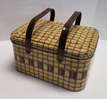 metal-1950s-picnic-basket.jpg