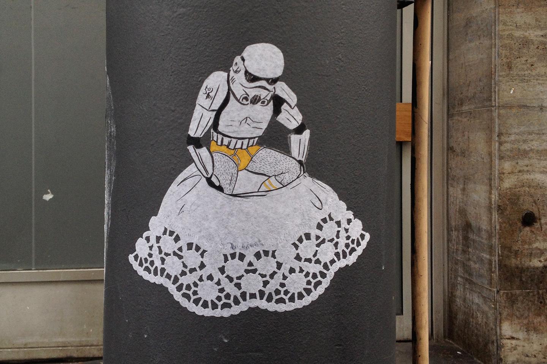 street_art_andre_levy_zhion_stormtroopers_luminous_beings_frankfurt_6.jpg