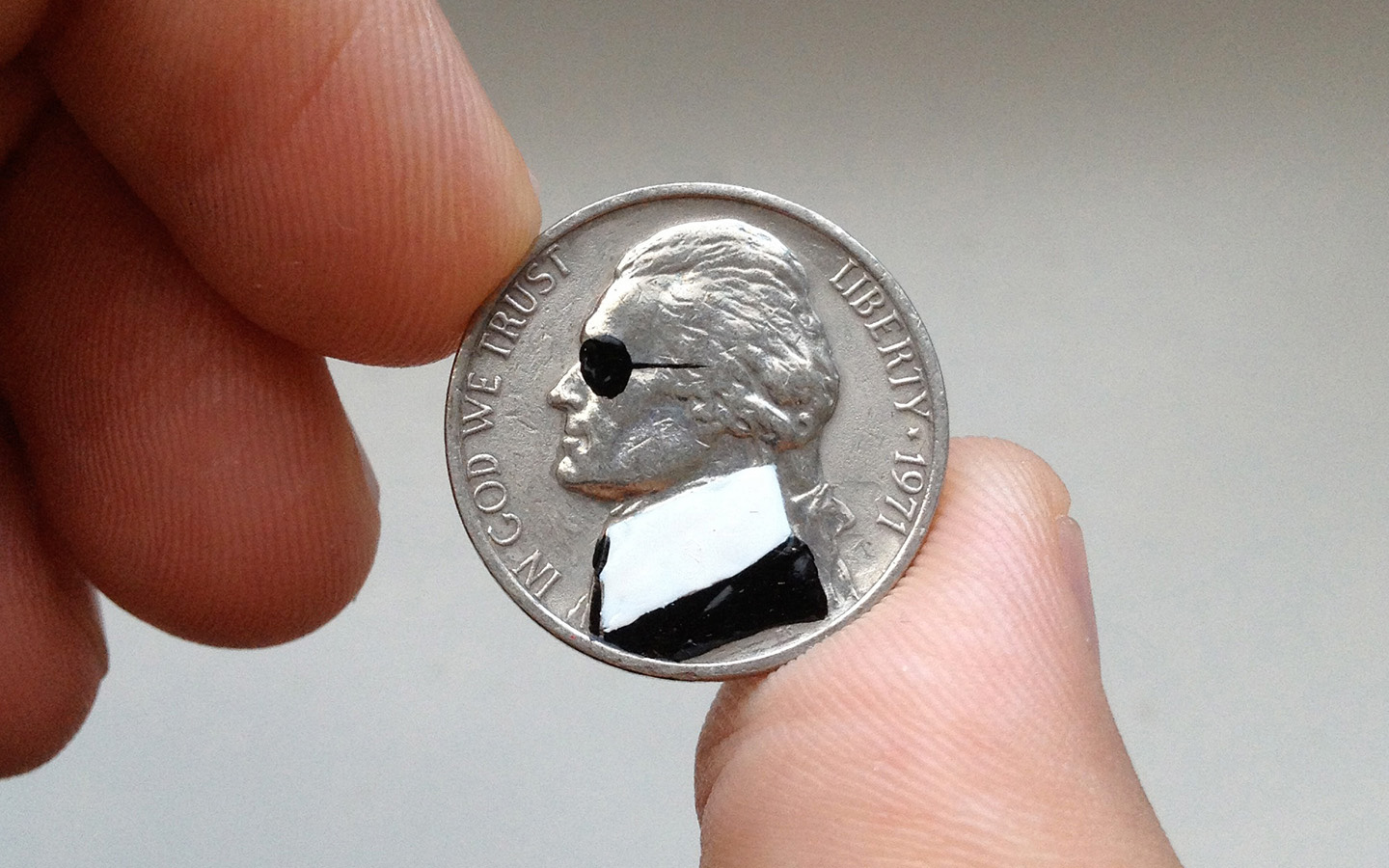 pop_art_andre_levy_zhion_coin_talesyoulose_portrait_money_karl_lagerfeld_miniature.jpg