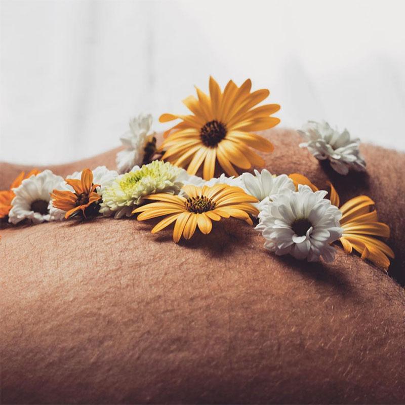 art_topbtm_andre_levy_zhion_alexandre_borba_polaroids_flowers_erotic_homoerotic_palmengarten_bluemchemsex_instagram_3.png